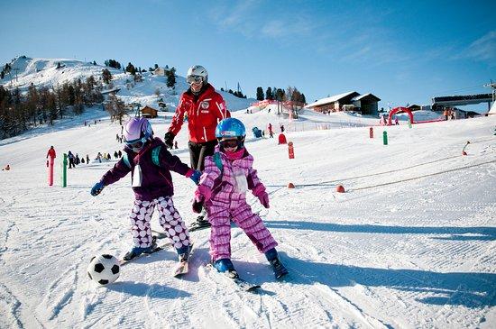 Veysonnaz, Schweiz: enfants ski piste