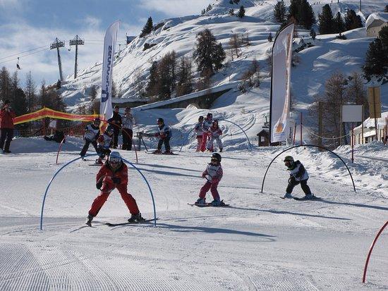 Veysonnaz, Schweiz: ski enfants
