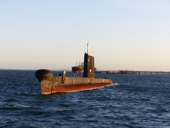 Cowes, ออสเตรเลีย: The Oberon class Submarine where the boat does a turn around