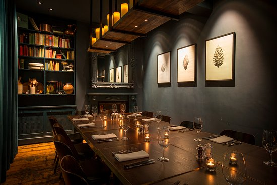 the chef's library room - private dining room in brighton