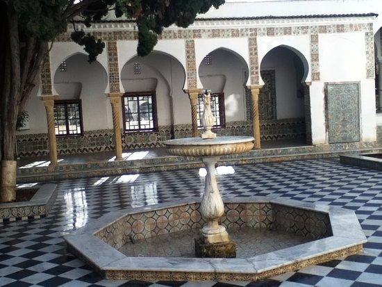 Alger, Argelia: fayeq3