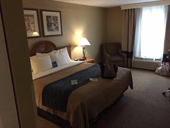 Comfort Inn & Suites: clean spacious