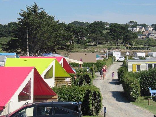 Pleumeur Bodou, France : allée du camping