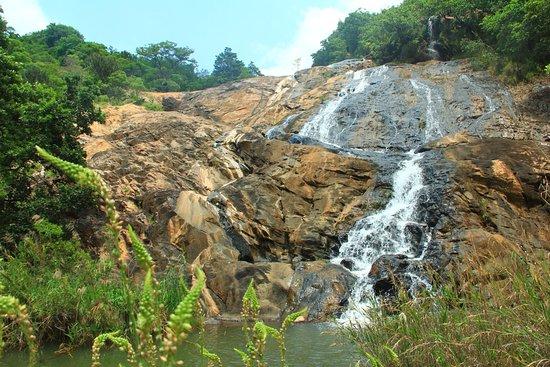 Piggs Peak, Suazilândia: cascade à proximité de l'hôtel