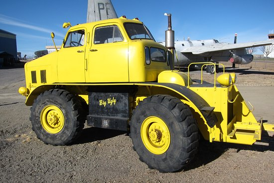 Pueblo Weisbrod Aircraft Museum: 1953 - Aircraft Tug 'Big Ugly'