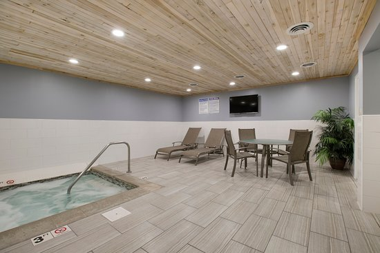 Redwood Falls, Μινεσότα: Hot Tub