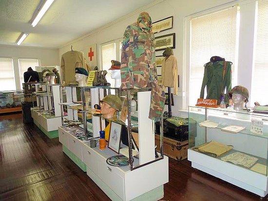 เลอนัวร์, นอร์ทแคโรไลนา: inside museum
