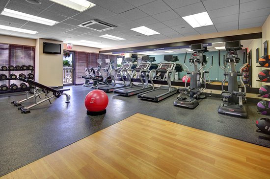 Hampton Inn and Suites Tamarac - 24 hour fitness center
