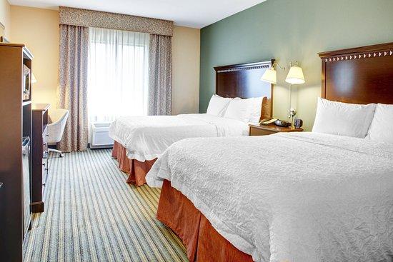 Hampton Inn and Suites Tamarac - 2 Queen guest room
