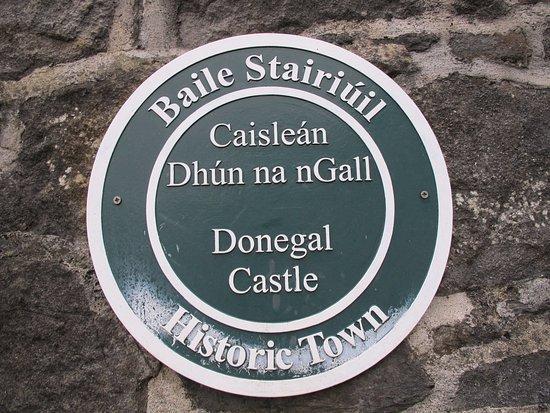 โดเนกัล, ไอร์แลนด์: Placa informativa.