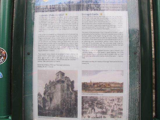 โดเนกัล, ไอร์แลนด์: Panel informativo del castillo.