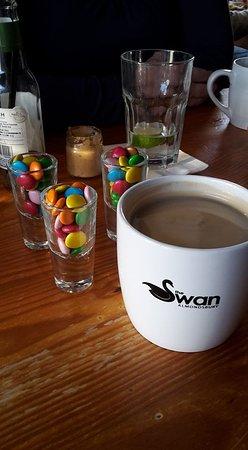 Almondsbury, UK: Smartie shots with coffee