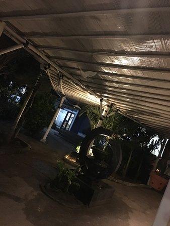 Mirage Sunset Bar : photo0.jpg