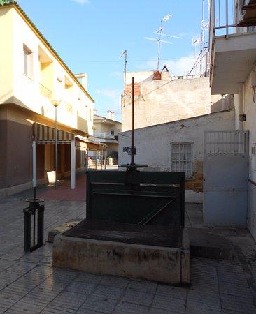 Catral, Espanha: Muestra de antigua acequia ahora entubada
