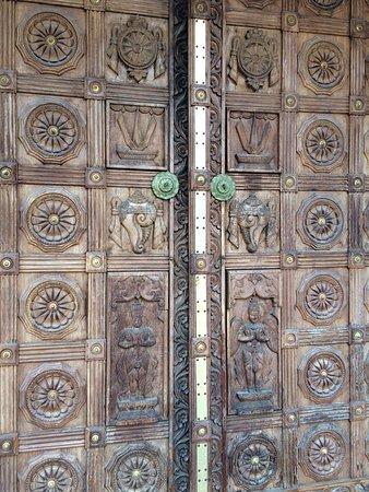 The hindu temple of atlanta beautiful carvings on the wooden doors