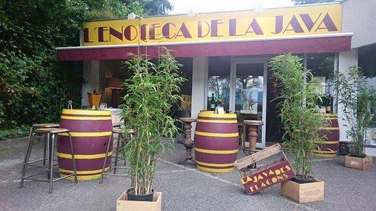 Annecy-le-Vieux, França: Enoteca de la Java, bar à vin