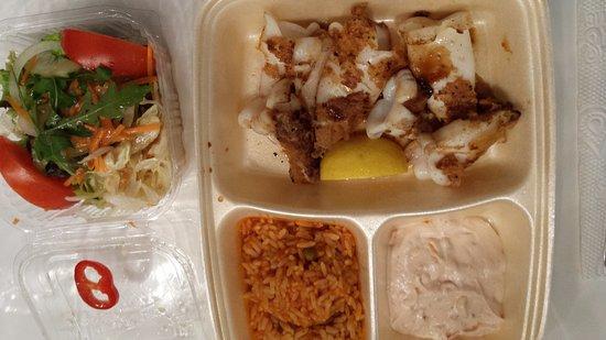 Restaurant Olympia: So sieht Essen zum Mitnehmen aus, Hunger darf man hier nicht haben.