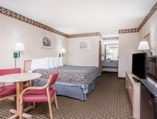 Byron, GA: Room with King Bed