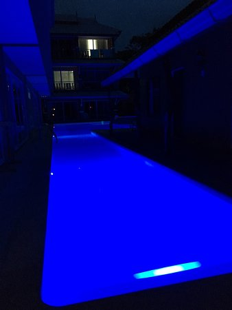 Fevrier Resort: Pool at night