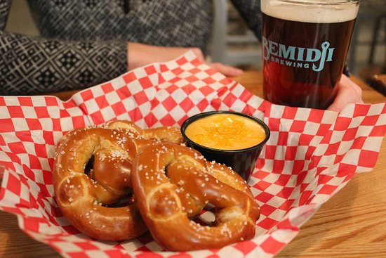 Bemidji, Миннесота: You'll love our Soft Pretzels & Red Ale Cheese Sauce!
