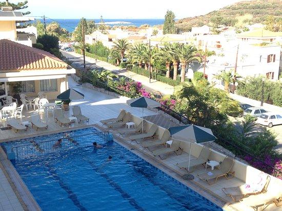Chrissi Akti, Grecia: la piscina