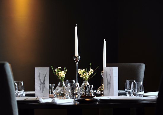 Oldham, UK: The White Hart at Lydgate Dining Room
