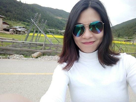 Shangri-La County, China: img1466313330766_large.jpg