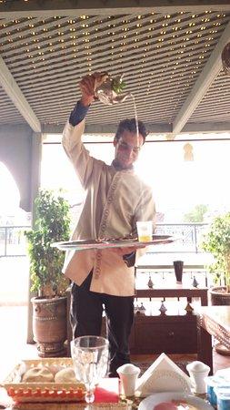 Staff Sirviendo Te Picture Of Riad Fleur D Orient Marrakech