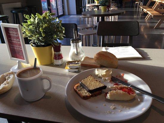 Saint-Jans-Molenbeek, Bélgica: Se ve que no aguanté el hambre para sacar la foto..
