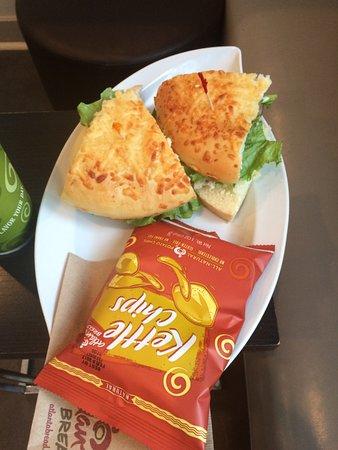 Rogers, AR: Bella Chicken Sandwich