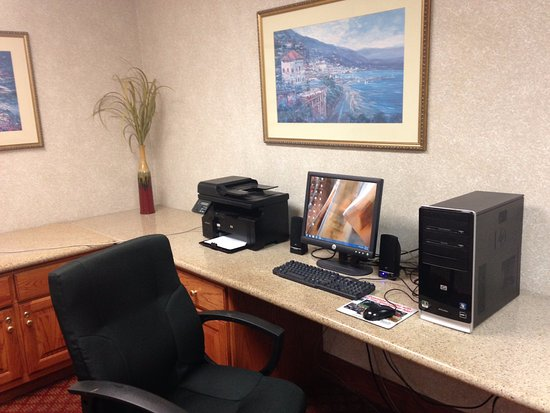 Decatur, IL: Business center with very quick internet!