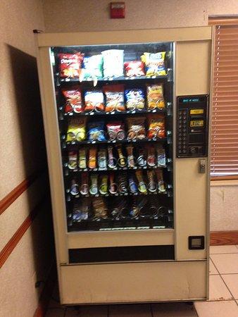 Decatur, IL: Hotel snacks!