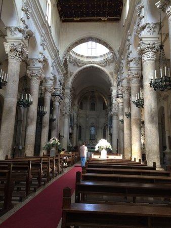 Sober interieur - Picture of Basilica di Santa Croce, Lecce ...