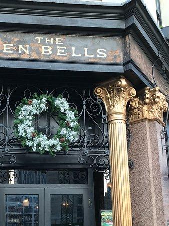 The Ten Bells : The Entrance