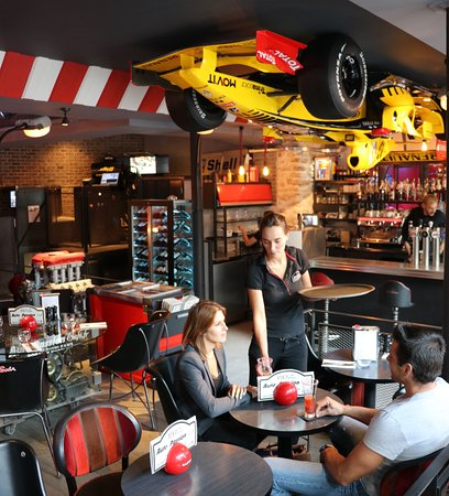 Auto passion caf paris restaurant avis num ro de for Reservation hotel formule 1 paris