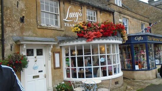 Stow-on-the-Wold, UK: Frente/entrada de Lucy´tearoom