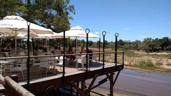 Skukuza, South Africa: Outside seating