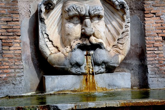 Fontana del Mascherone di S. Sabina