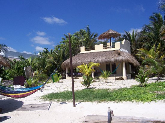 Hotel Maya Luna: view of room from the beach