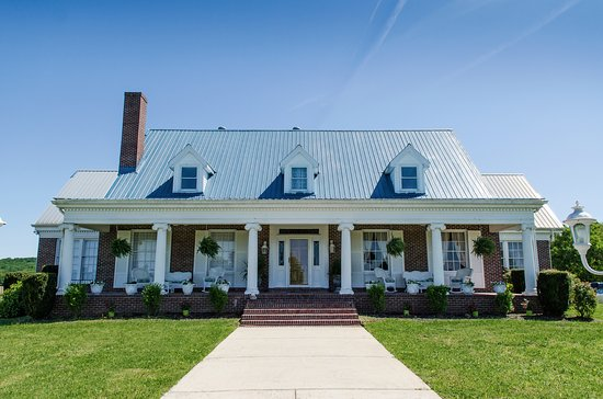 Lascassas, TN: Front view of property