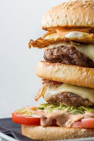 Bellver de Cerdanya, İspanya: Als vespres....hamburgueses, entrepans, torrades,sandvitxos....