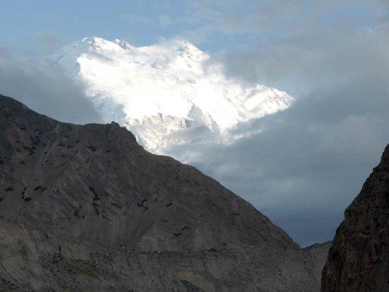 Akto County, Chiny: Kongur vom Gez-Tal aus
