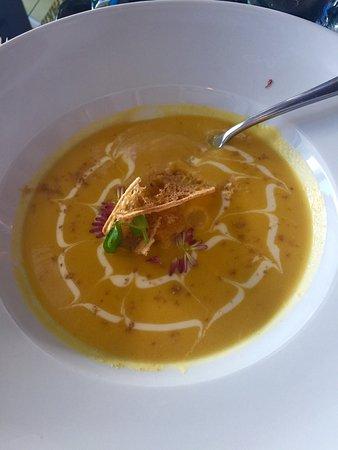 Le Frenchie bistro parisien: Pumpkin soup😍