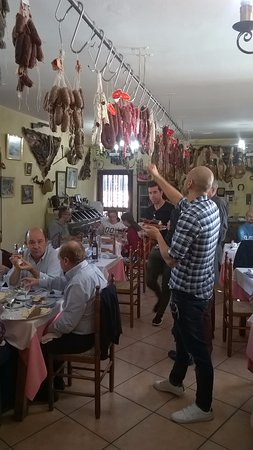 Castalla, España: Choosing the cured meats to eat.