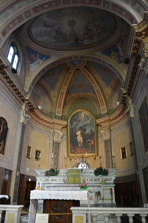 Serralunga d'Alba, Italien: ....