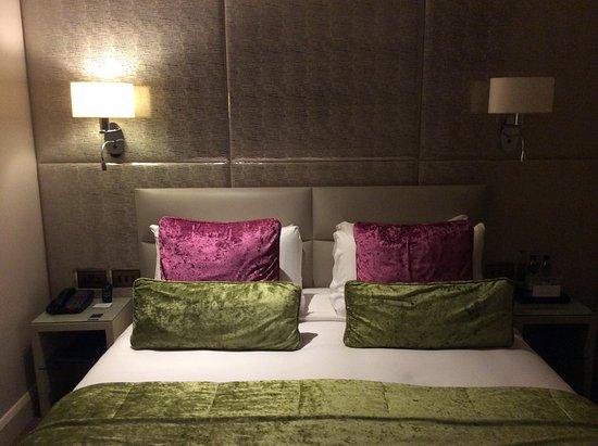 Radisson Blu Edwardian Mercer Street Hotel: Comfortable bed