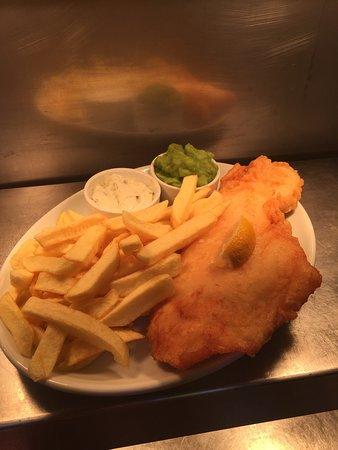 Milford Haven, UK: Gordon Bennett's Traditional Fish & Chips