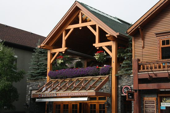 Mount Royal Hotel: next to the hotel