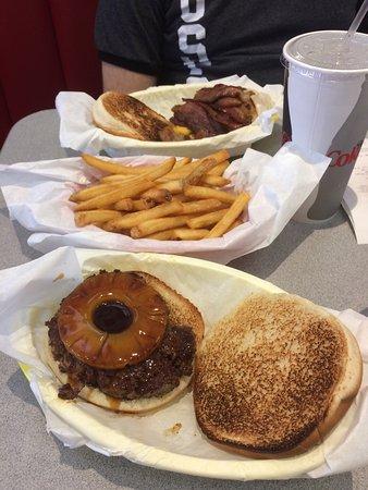 San Mateo, CA: Jeffrey's Hamburgers