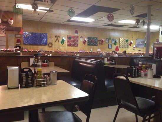 Garland, TX: Salón. Se ven las sillas rotas...